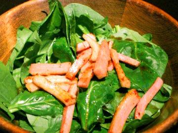 焼きベーコンとほうれん草のサラダ